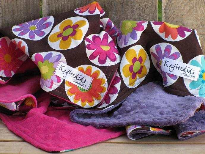 Lovey in Retro Flowers - LAVENDER
