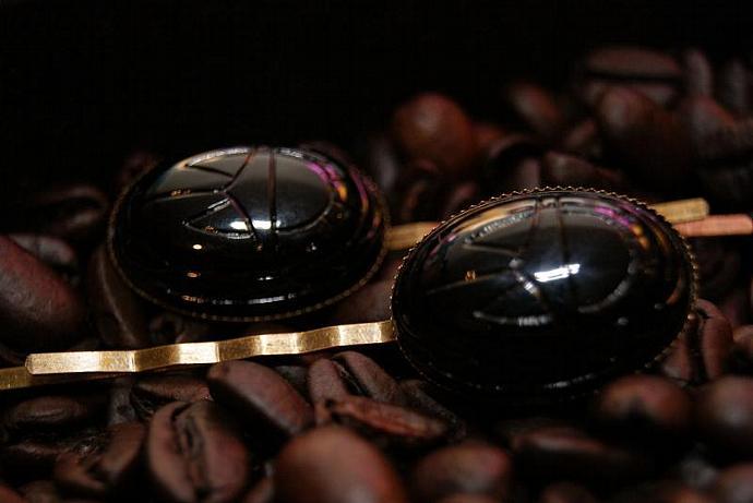 Black Scarab - Bobby Pin Set - Vintage Acrylic Cabochon