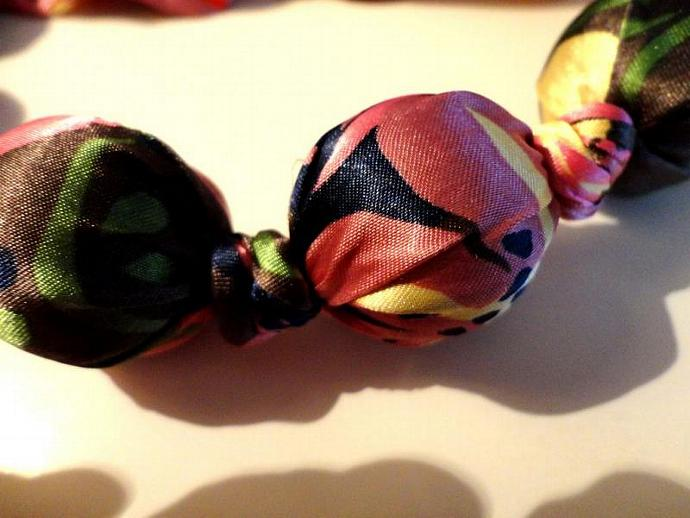 VINTAGE  60s Italian Silk print wrapped Big bead Necklace that ties in the back