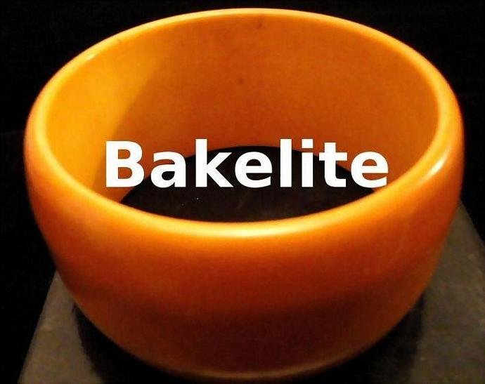 Reduced VINTAGE 50s BAKELITE Wide Pumpkin tapered Dome Bangle bracelet