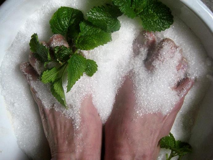 Fungal Salt Soak Foot Bath