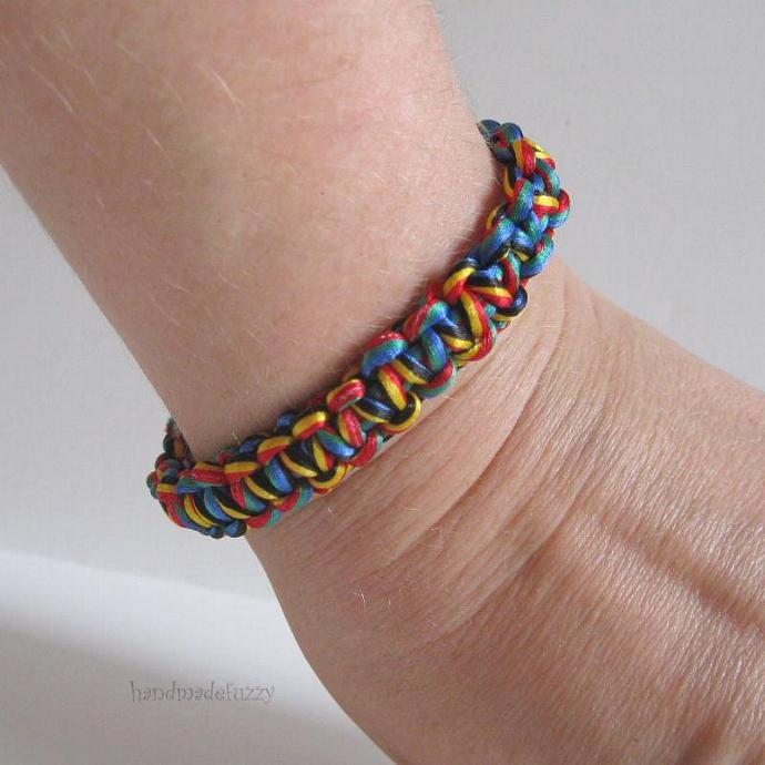 rainbow bracelet macrame