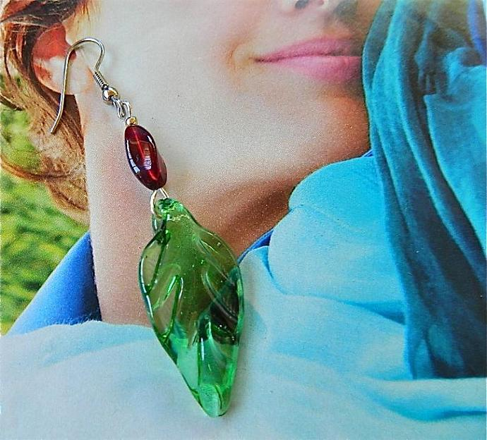 Green   lampwork    leaves   dangle  earrings