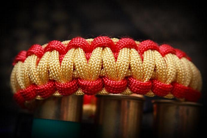 Paracord Zombie Survival Bracelet (TM) - Red & Yellow - FPSRussia  - CUSTOM