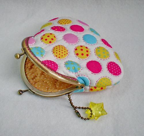 Colorful Big Dots Quilted Purse