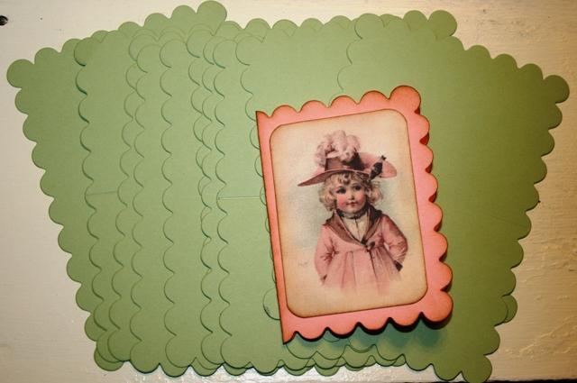 Little scalloped note cards to embellish your mini albums
