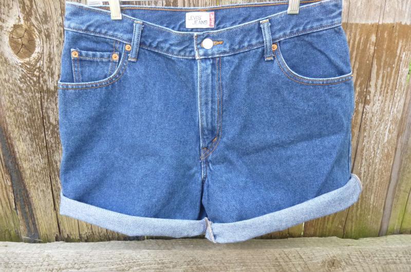 Levi High Waisted 550 Denim Shorts by zucchiniflourvintage on Zibbet