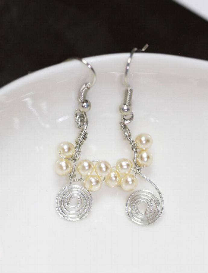The white grapes- Handmade earrings