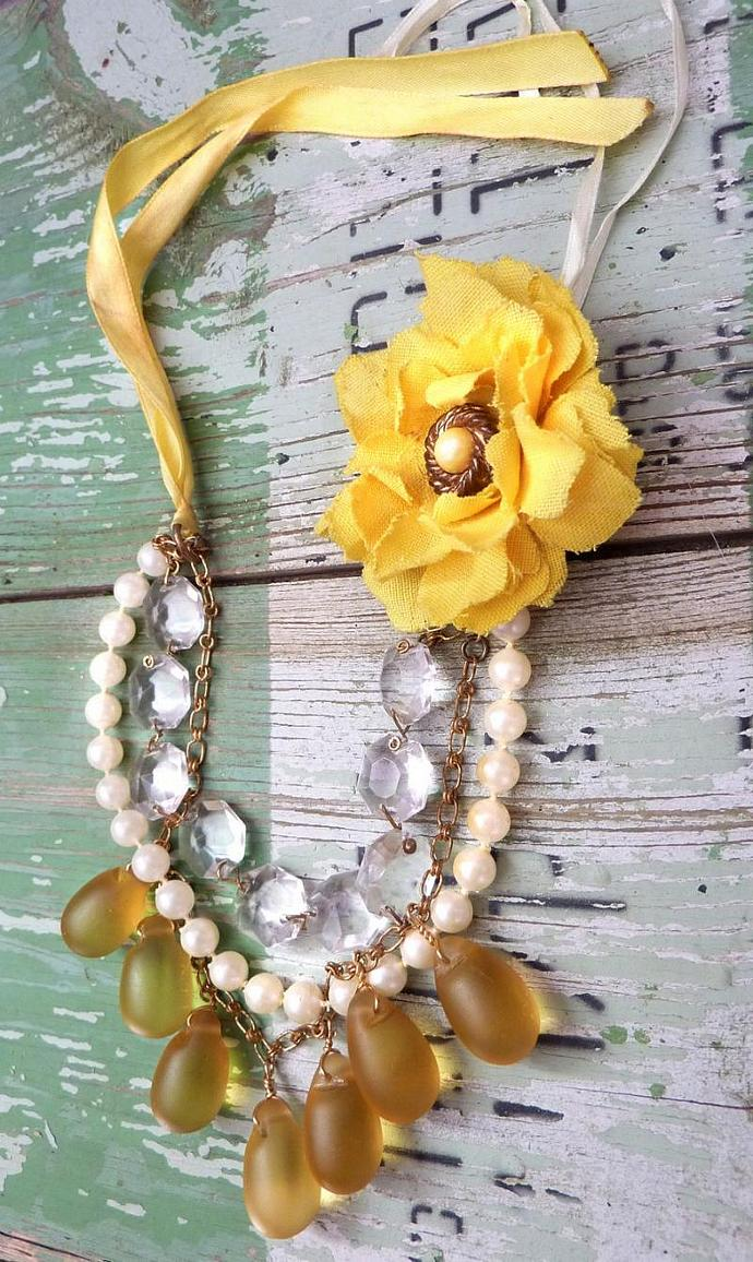 Sunshine Droplets Statement Necklace