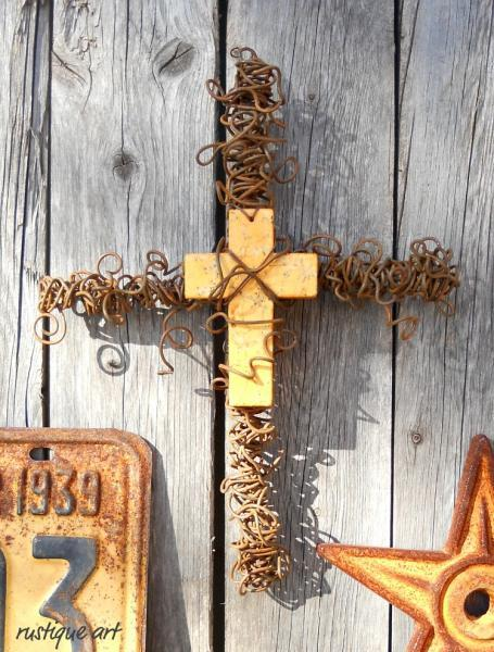 Rustic Wire Wall Cross