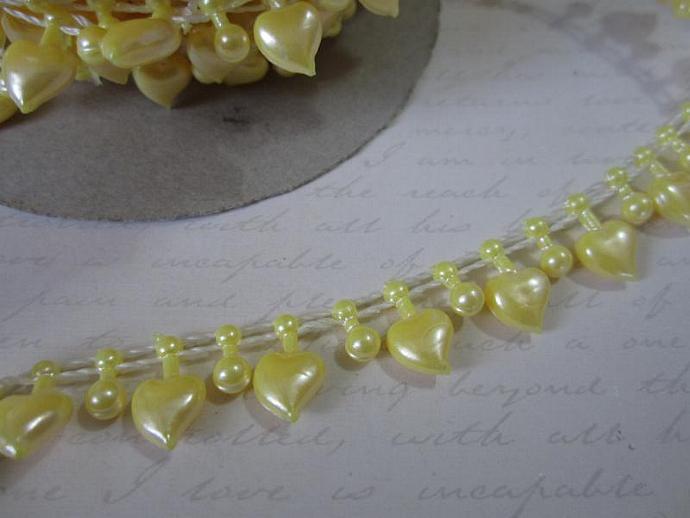 1yd - Yellow Heart Pearl Trim
