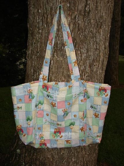 Mommys Little Helper/Diaper Tote with 4 pockets