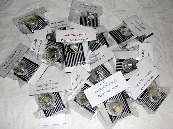 Paper Roses Magnet set