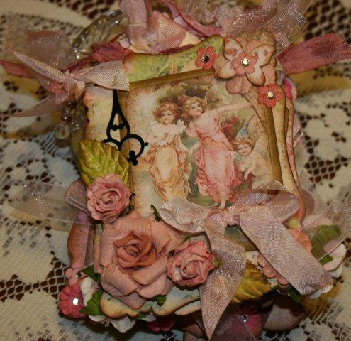 Vintage looking shabby chic clock hands to embellish your mini albums and