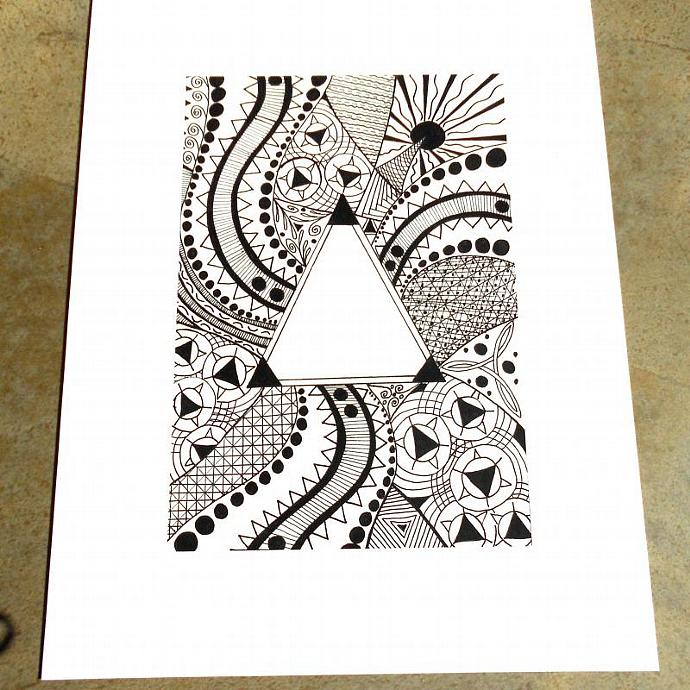 Triangle zentangle art print no. 9