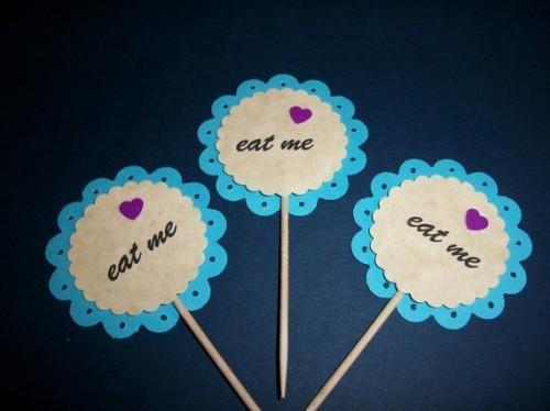 24ct 3D Blue/vintage scallops Alices Wonderland / Eat Me / Cupcake top