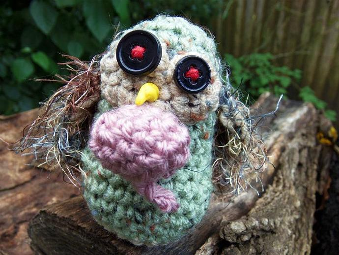 Buttons the Zombie Owl