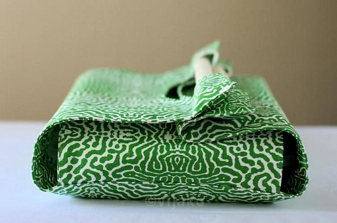 Green python casserole carrier