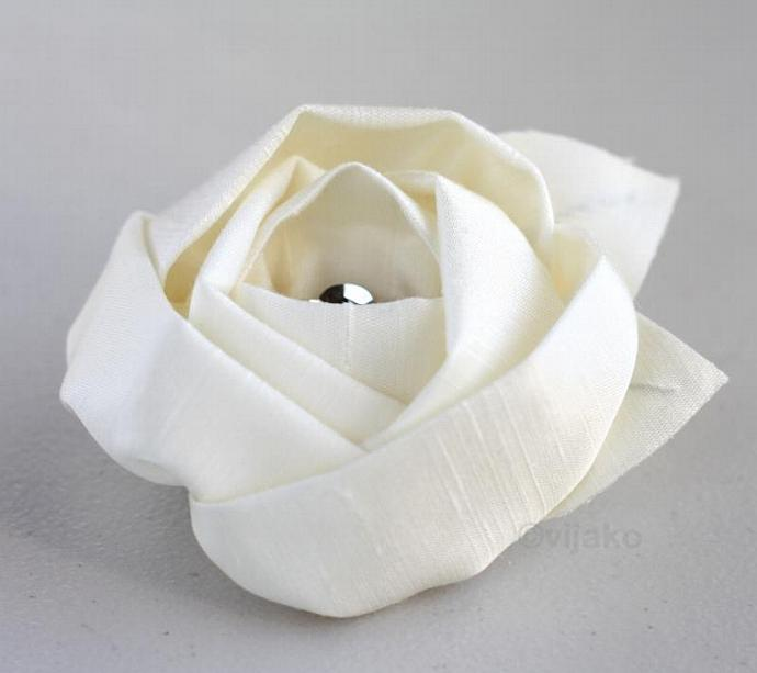 Ivory silk flower hair clip or brooch