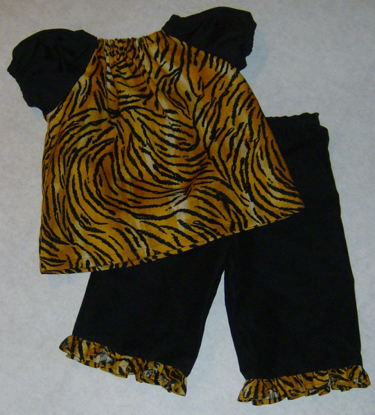 Tiger Print Peasant Top / Ruffled Capri Pants