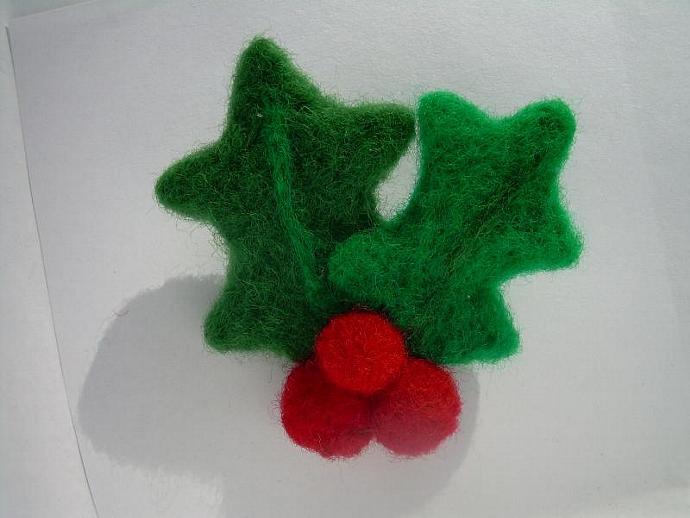 Felted Holly Pin
