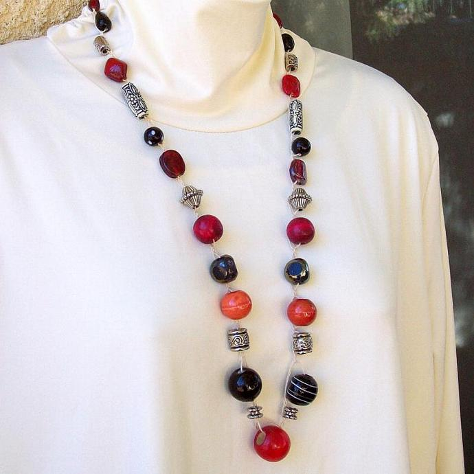 Necklace, Black Red Silver Beads crocheted on hemp