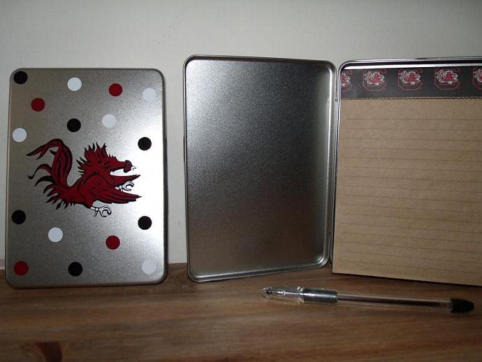 Note pad holder with pad and pen