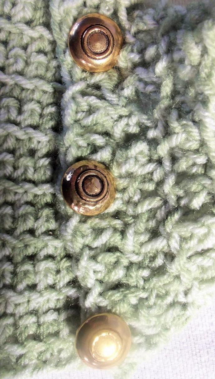 Cowl in Green With Three Gold Buttons