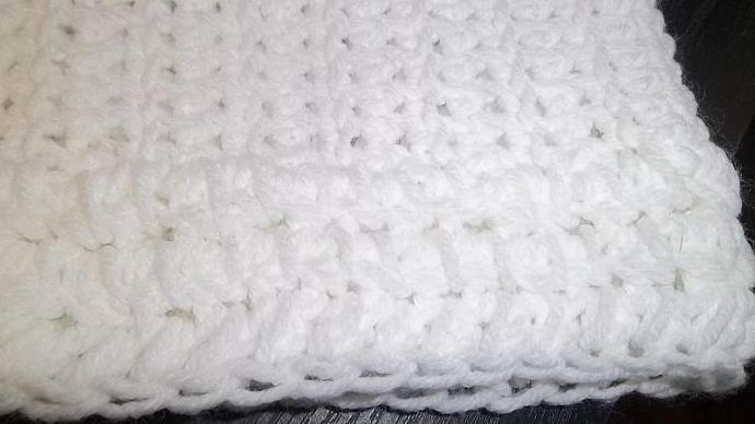 Babies Poncho/Coat/Sweater/ Scarf in Snow White (6mo-2 years)