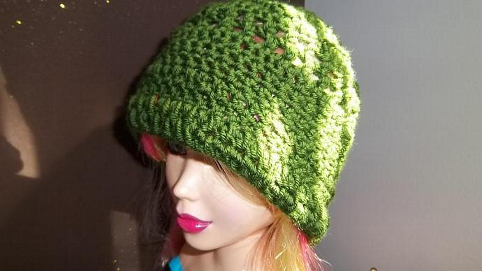 Women's Hunter Green Crocheted  Hat