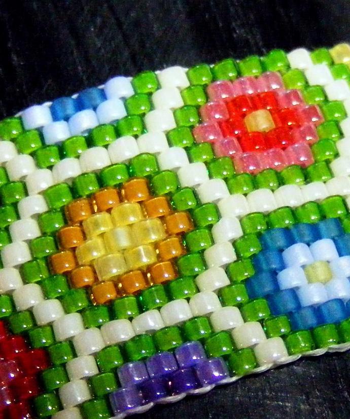 Grandmothers Flower Garden Beaded Bracelet