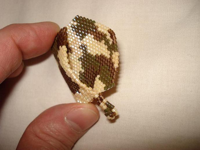Bead Mini Clutch Pendant - Camouflage