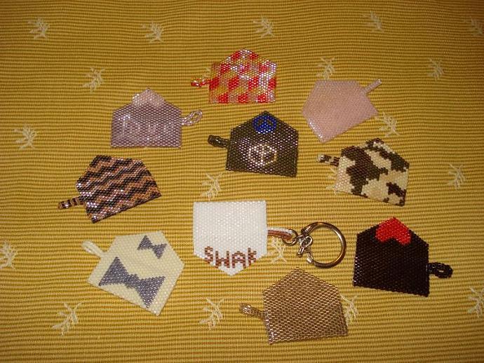 Bead Mini Clutch Pendant - Soft Pink