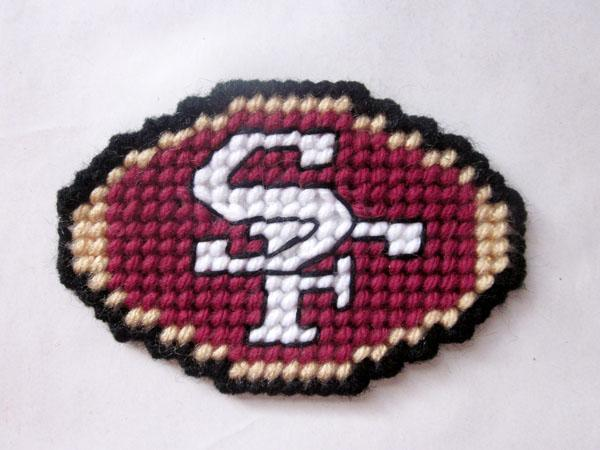 San Francisco 49ers magnet in plastic canvas PATTERN ONLY
