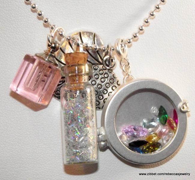 Bottle of  Botanicals Pendant