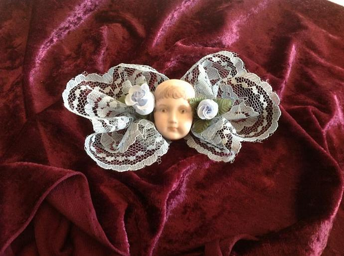PORCELAIN  DOLL HEAD HAIR BOW   800 - 014