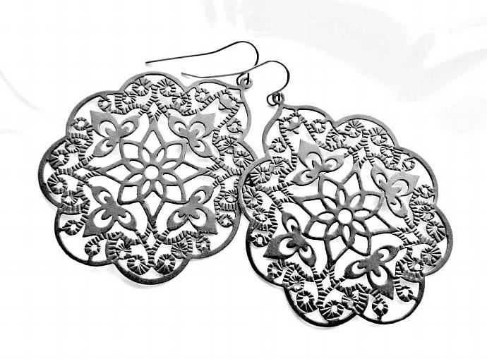 Gypsy Lace Black Filigree Earrings