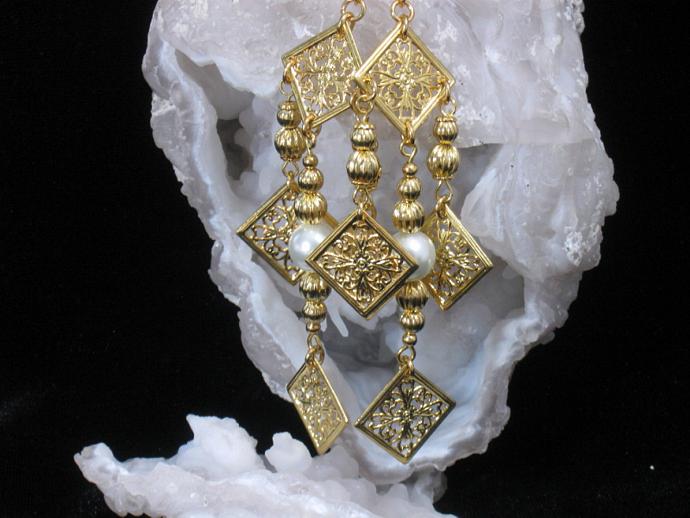 Queen's Delight Earrings