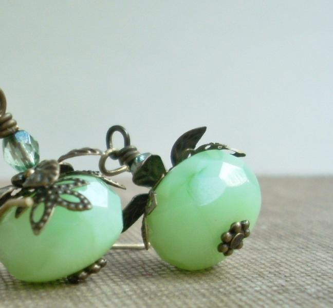 Glass Drop Earrings - Mint Berries