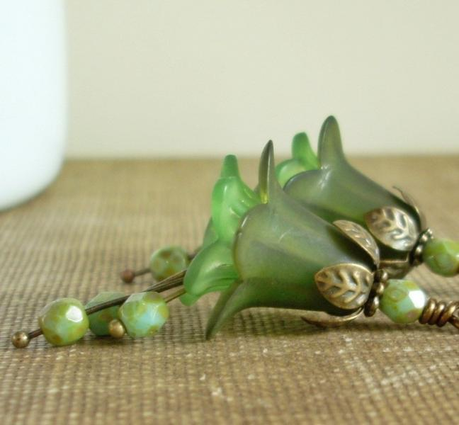 Mossy Green Blooming Earrings