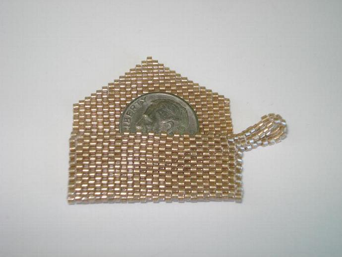 Bead Mini Clutch Pendant - Shimmering
