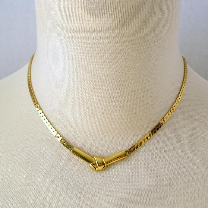 Vintage Signed Monet Gold Knot Pendant Necklace Choker Bowknot Group