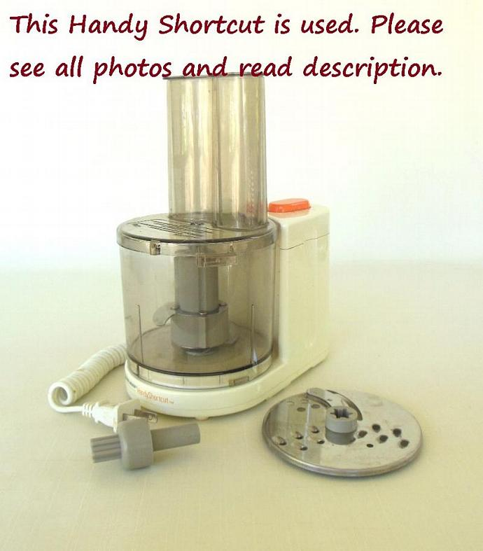 Black Decker Handy Shortcut Mini Food Processor HMP30 - Used, body yellowed from
