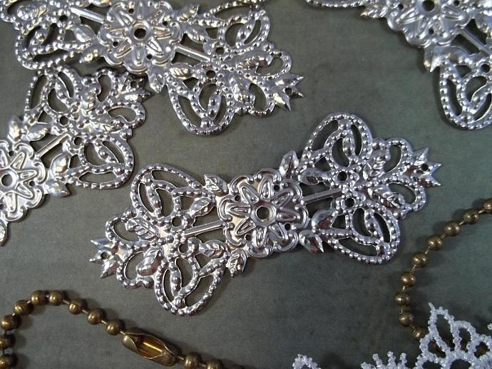 Silver Filigree Embellishment (Item #810-P)