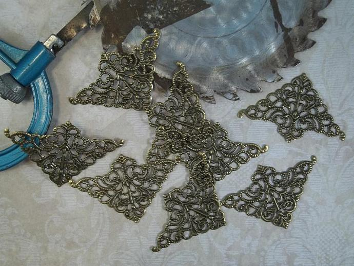 Bronze Filigree Embellishment (Item #546-B)