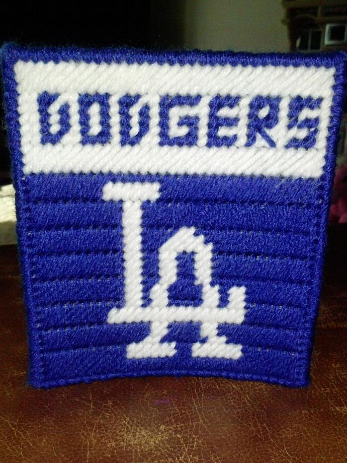 MLB Los Angeles Dodgers Baseball Team Plastic Canvas Tissue Box Cover - White