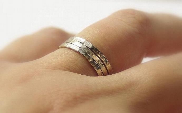 14k WHITE Gold Filled Hammered Stackable  / Stacking Wedding Rings