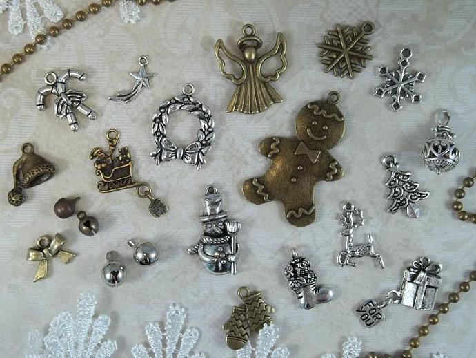 Jingle Bells Tibetan Charm Set   Charm Kit   Christmas Scrapbooking