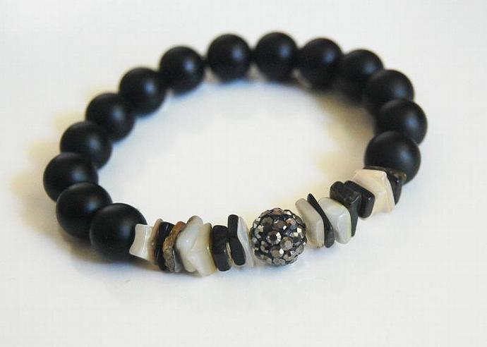 Matte Black Onyx And Black Lip Shell Bracelet - Beaded Bracelet - Stretch