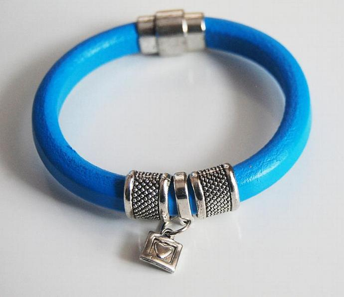 Turquoise Licorice Leather Bracelet-Bangle bracelet- charm Bracelet - Cuff